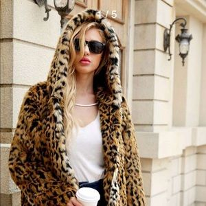 One left Leopard hoodie 🐆